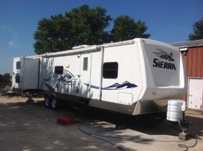 2007 Forest River Sierra 321BHT Travel Trailer for sale in Preston, Iowa.