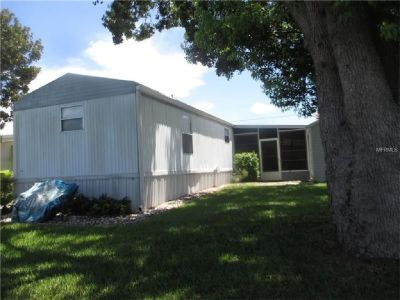 Great location Located In Lake Dora Mobile Home