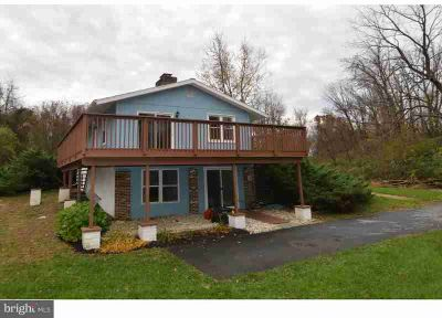 27 Shangrala Ln Wernersville, Secluded and private setting
