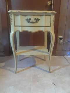 End table with one drawer and shelf