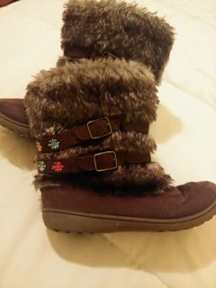 Cute boots with zipper