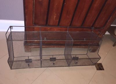 Wire wall shelf / organizer with bins and hooks laundry room? Mud room?