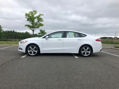 2016 Ford Fusion 4dr Sdn SE AWD (Oxford White)
