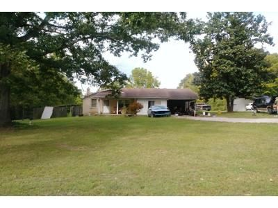3 Bed 1 Bath Foreclosure Property in White Bluff, TN 37187 - Petty Rd