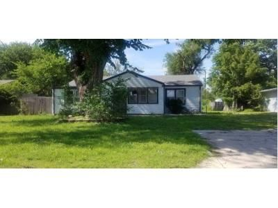 2 Bed 1 Bath Foreclosure Property in Wichita, KS 67216 - E Georgia St