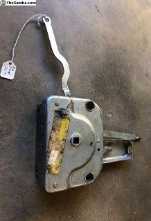 baywindow sliding door mechanism.