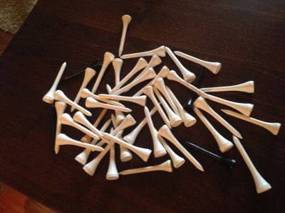 48 Wooden Golf Tees