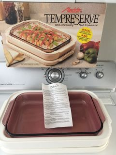 Aladdin Tempreserve Hot or Cold Carrier. Includes 9x13 Pyrex Baking Dish ( See Other Photos) D