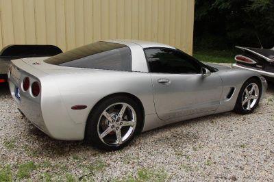 2001 Chevrolet Corvette Base (Silver Or Aluminum)
