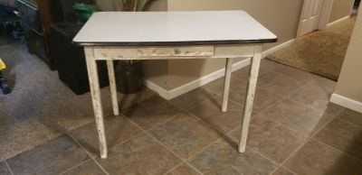"""Antique melamine farm table! 40""""l 25""""w 31""""h... NEED GONE ASAP!! FIRST COME"""