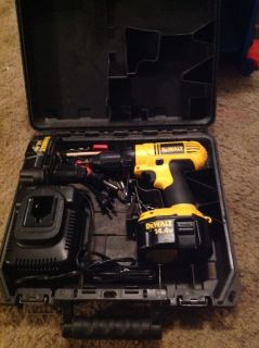 Dewalt cordless power drill with case