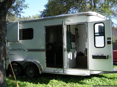 2005 Sundowner 777 2 Horse trailer