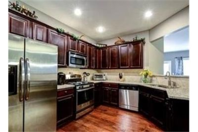 Rare opportunity to lease this stunning townhome in Vintage . Parking Available!