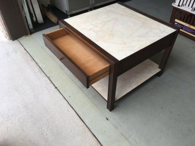 End / Occasional Table