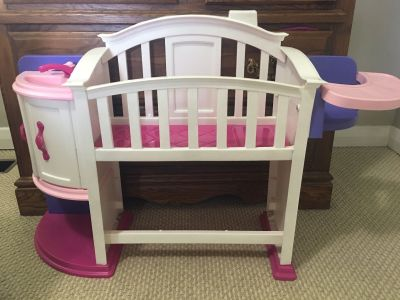 EUC Doll bed and feeding area
