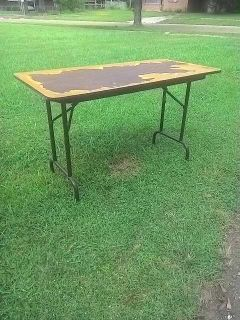 Fold up table needs reducing or covered top-project piece