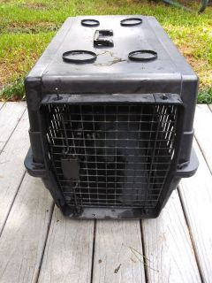 Black pet crate