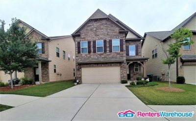 Like New! Spacious 4 Bedroom in Snellville!