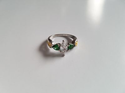 Beautiful Emerald and White Sapphire Yellow Gold & Sterling Silver Ring - Size 9