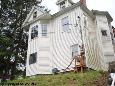 4 Bed 2 Bath Foreclosure Property in Fairmont, WV 26554 - Watson Ave