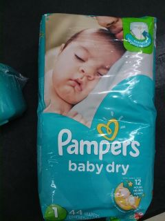 Pampers diapers - size 1