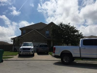 2.5 Bath Preforeclosure Property in La Marque, TX 77568 - Mustang Stampede Dr