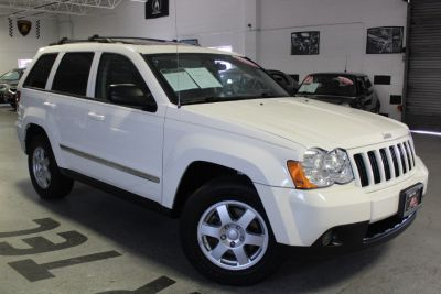 2010 Jeep Grand Cherokee Laredo (Stone White)