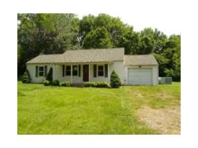 2 Bed 1 Bath Foreclosure Property in Lovelaceville, KY 42060 - Lovelaceville Rd