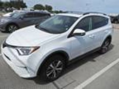 2018 Toyota RAV4 XLE Navigation, Sunroof, Smart Key & BS Monitor