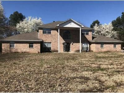 5 Bed 3.5 Bath Foreclosure Property in Pine Bluff, AR 71603 - Faucett Rd