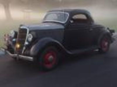 1935 Ford 3 Window Coupe V-8