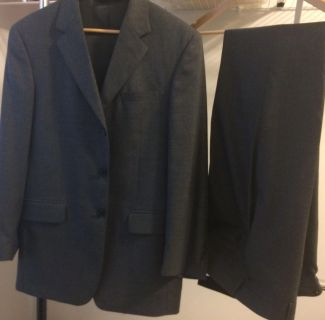 Like new Gray Jos. A. Banks men's suit