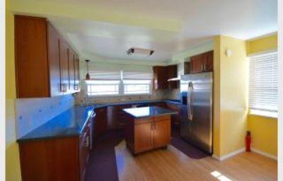 $2,695, 3 Bedroom Remodeled Fullerton Home