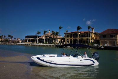 Domn8er power boats