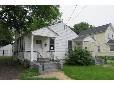 4 Bed 2 Bath Foreclosure Property in Red Bank, NJ 07701 - Willow Street