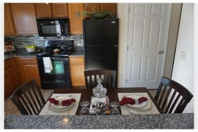 1 bedroom Townhouse - Burnsville is an active. Parking Available!