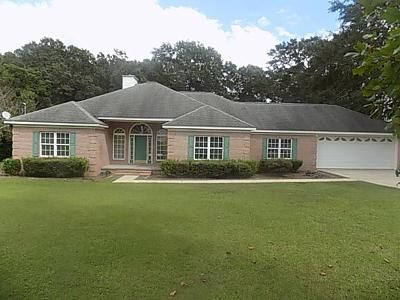 4 Bed 2 Bath Foreclosure Property in Headland, AL 36345 - Willow Oaks Dr