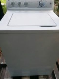 I'm selling a very nice Ge washer