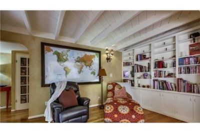 3 bedrooms House - Fully Furnished Beautiful 2 story La Jolla Home. 2 Car Garage!