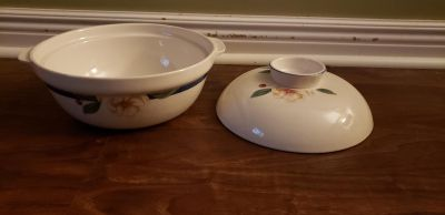 Flower painted bowl set