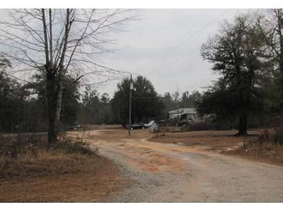3 Bed 2 Bath Foreclosure Property in Waynesboro, GA 30830 - Claxton Lively Rd
