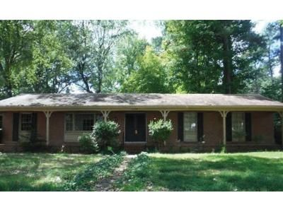 3 Bed 2 Bath Foreclosure Property in Petersburg, VA 23805 - Windsor Rd