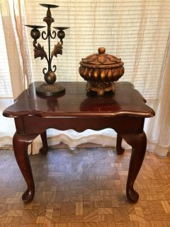 Queen Anne Table. 29 wide by 19 x 21 tall. Very sturdy. Beautiful detailing on end