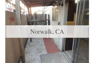 2 bedrooms Apartment - Located in the heart of with easy access to the 5 Freeway.