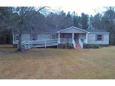 3 Bed 2 Bath Foreclosure Property in Eutawville, SC 29048 - Addidas St