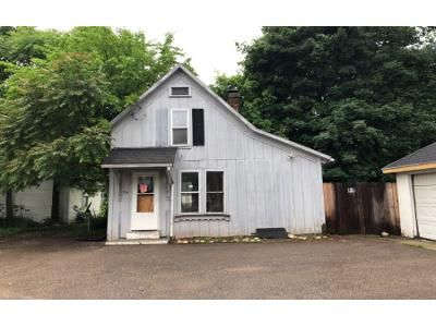 4 Bed 1 Bath Foreclosure Property in Battle Creek, MI 49017 - Magnolia Ave