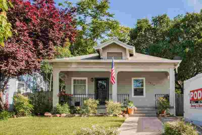 4864 11th Avenue SACRAMENTO Two BR, Beautiful Craftsman with