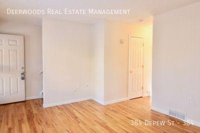 3BR - 1.5BA Townhome: Hardwood Floors, W/D Hookups, & 1 Assigned Parking Space