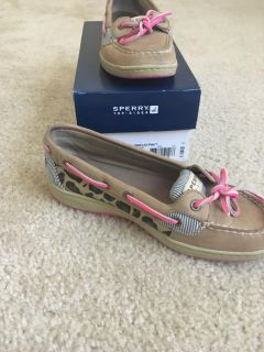 Sperry angelfish leopard/pink in box 6.5