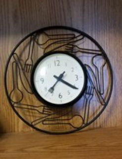 Metal Kitchen Clock with Forks Knives and Spoons